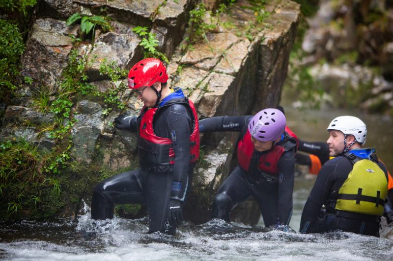 YUKI_river trekking_2
