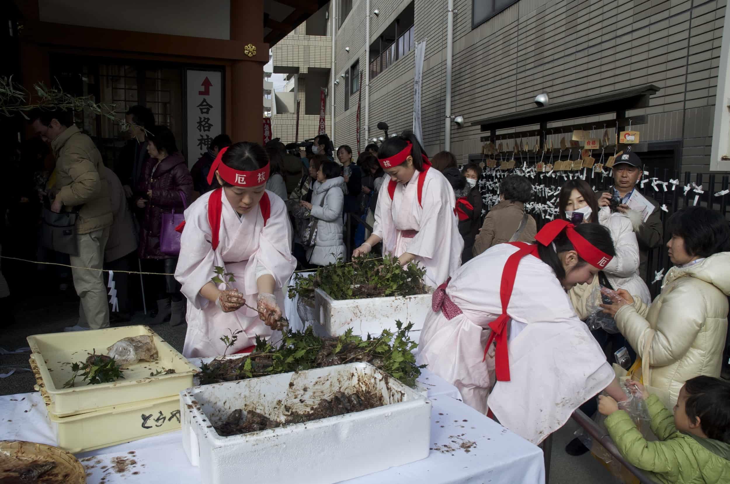 Setsubun at Sumiyoshi-jinja Shrine 6